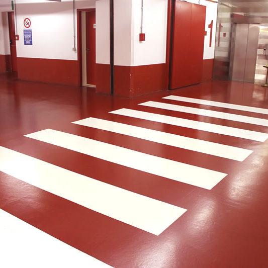 pavimento-in-resina-per-parcheggio-interno