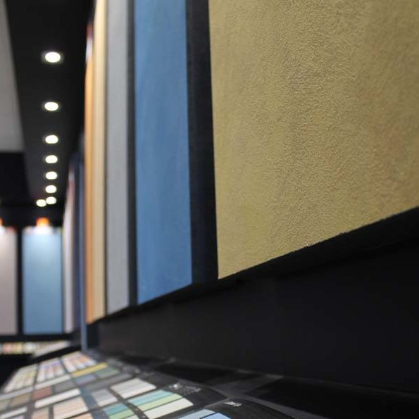 showroom colorificio leini